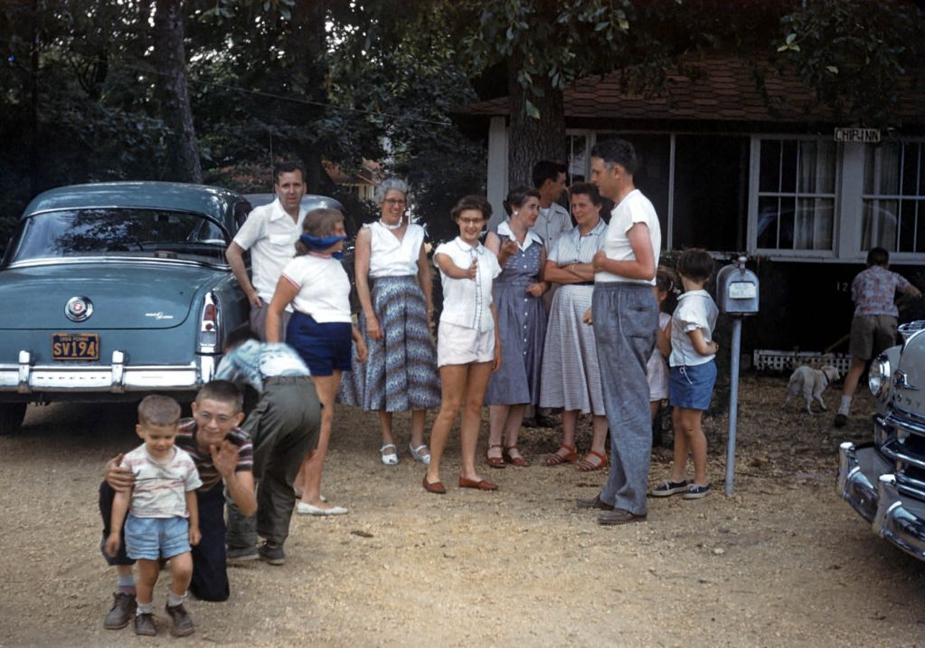 1950_bunch_of_folks0088_sm-jpg