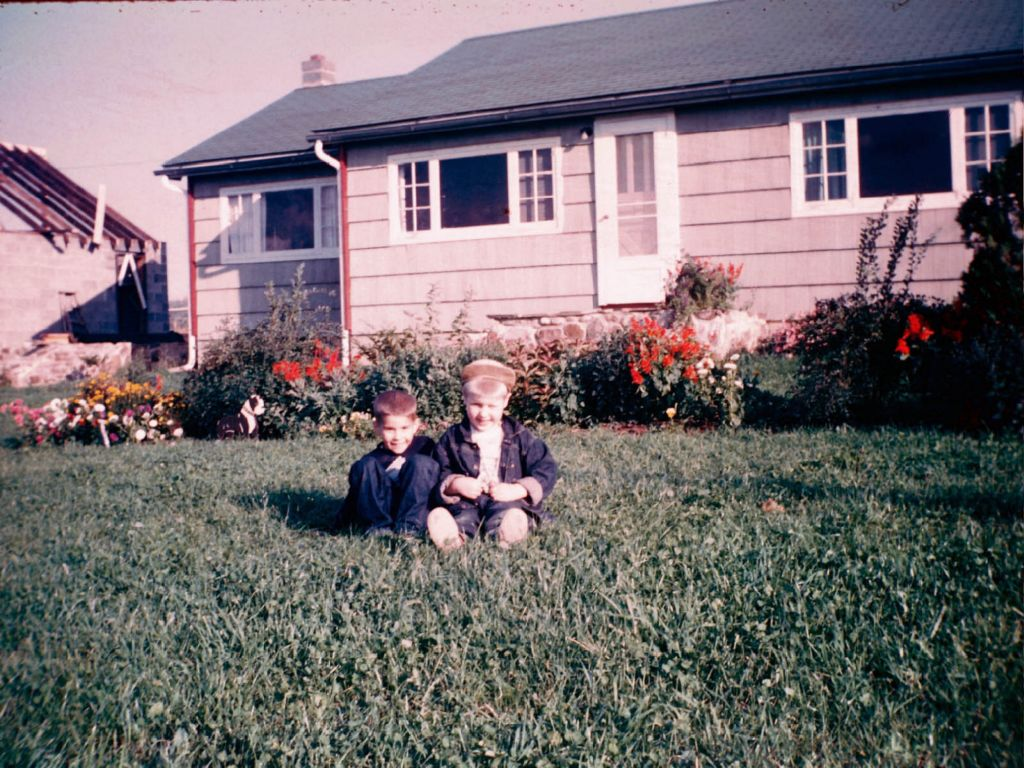 1950s_brent_rymon_and_paul_musselman_pauls_house_-0004_sm-jpg