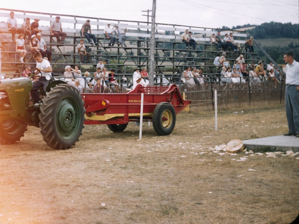 1950s_driving_contest_at_warren_co_farmers_fair0306_sm-jpg