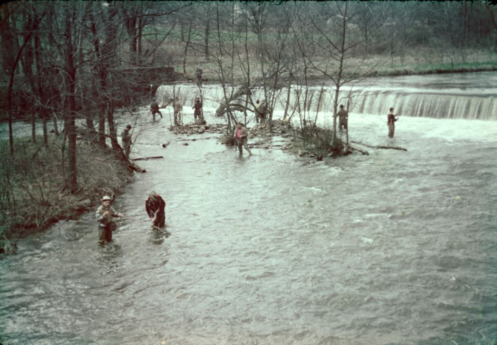 1950s_fishing_on_river0005_sm-jpg