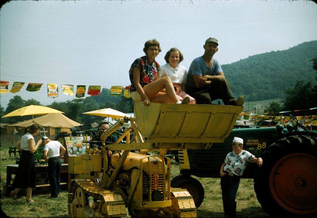 1954_warren_farmers_fair_charlotte_rymon_left_side_buck0065_sm-jpg