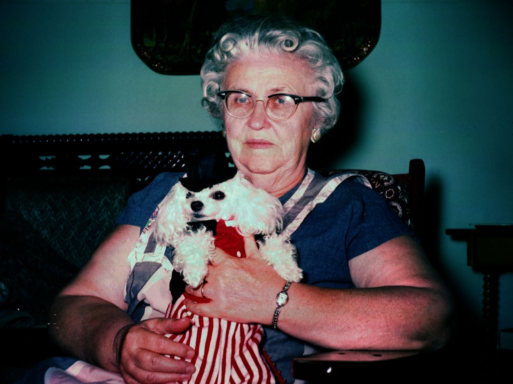 19566_lady_holding_dog__-0003_sm-jpg