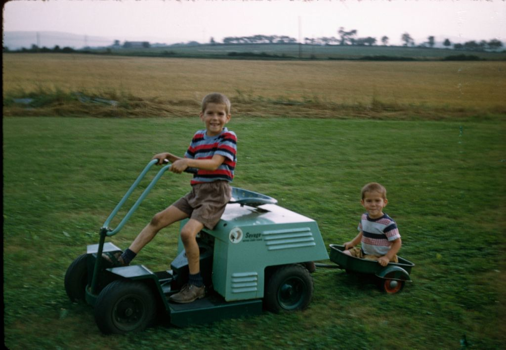 1957_or_8_brent_drives_savage_mower_ben_rymon_in_wagon0251_sm-jpg