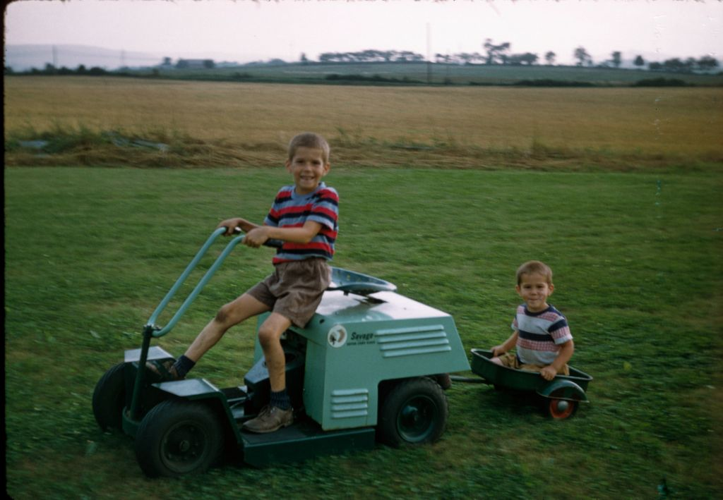 1957_or_8_brent_drives_savage_mower_ben_rymon_in_wagon0252_sm-jpg