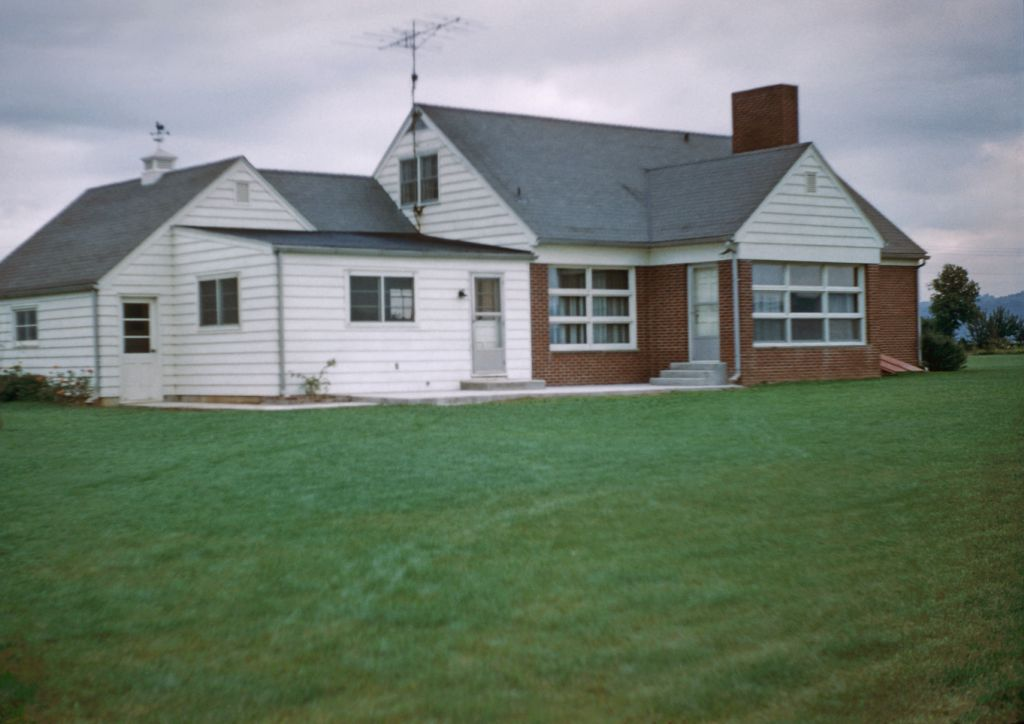 1958_oct_franklin_and_belva_rymon_home0556_sm-jpg