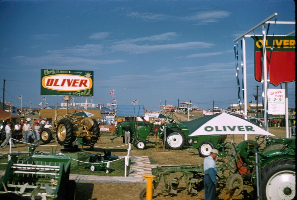 1958_oliver_display_somewhere0363_sm-jpg