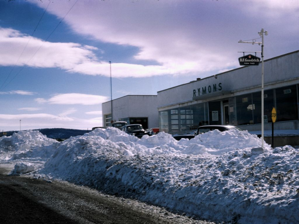 1958_rymons_with_snow_bank-0010_sm-jpg