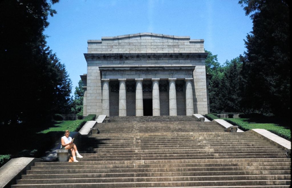 1959_arta_on_monument_steps0409_sm-jpg