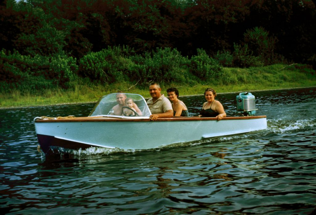 1959_frank_belva_rymon_and_art_and_dotty_eichlin_in_boat0431_sm-jpg