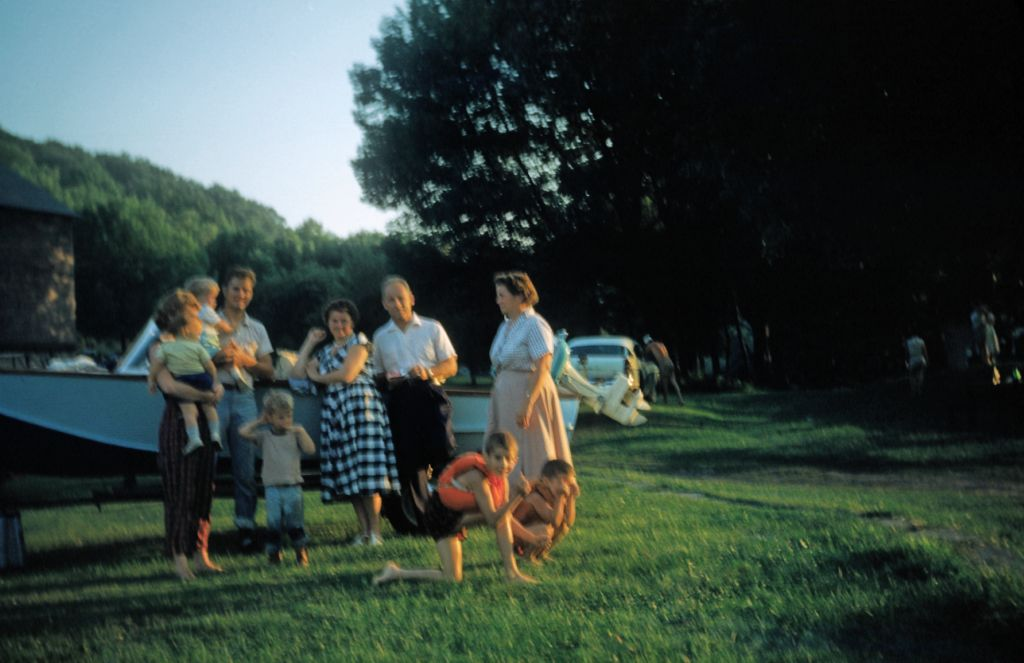 1959_getting_ready_for_boating0265_sm-jpg