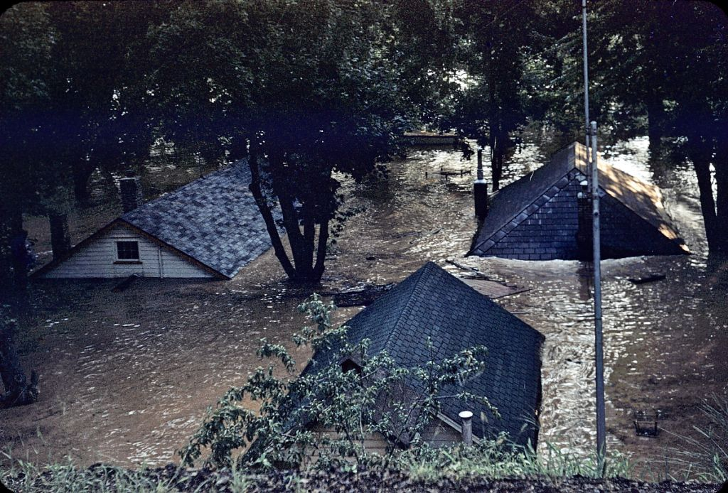 1959_ish_flood_homes_submerged0411_sm-jpg