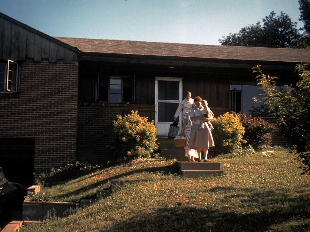 1959_leaving_house_sm-jpg