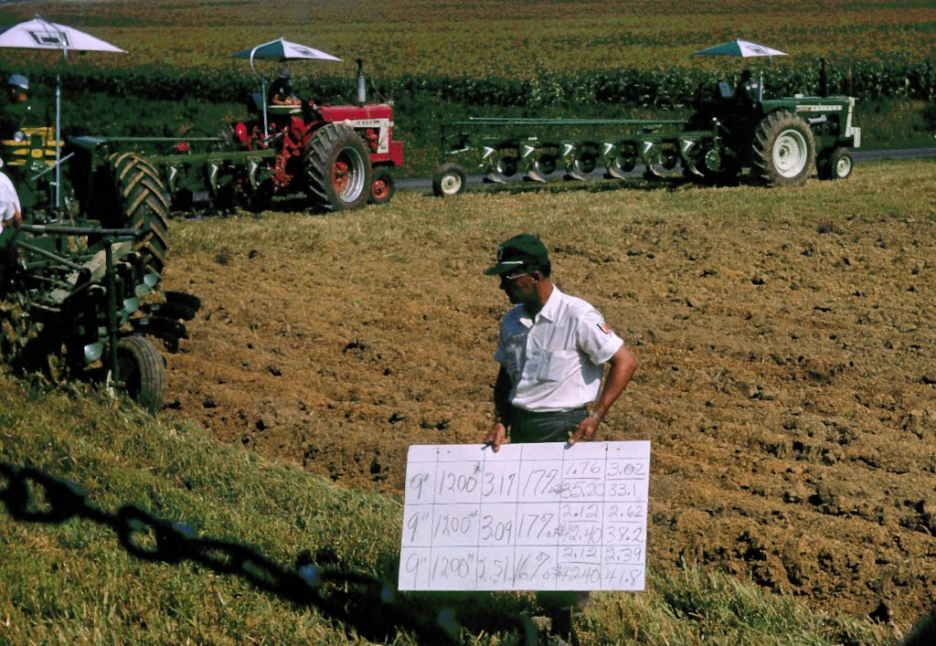 1959_oliver_plow_demonstration0330_sm-jpg