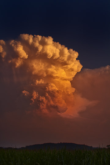 Aug 18, 2011 Thunderhead Color
