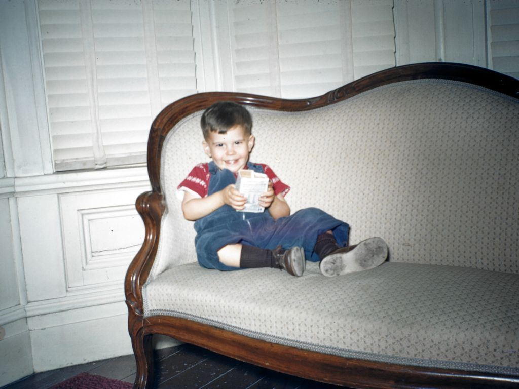 1953_franklin_brent_rymon_on_couch_at_old_house__-0002_sm-jpg