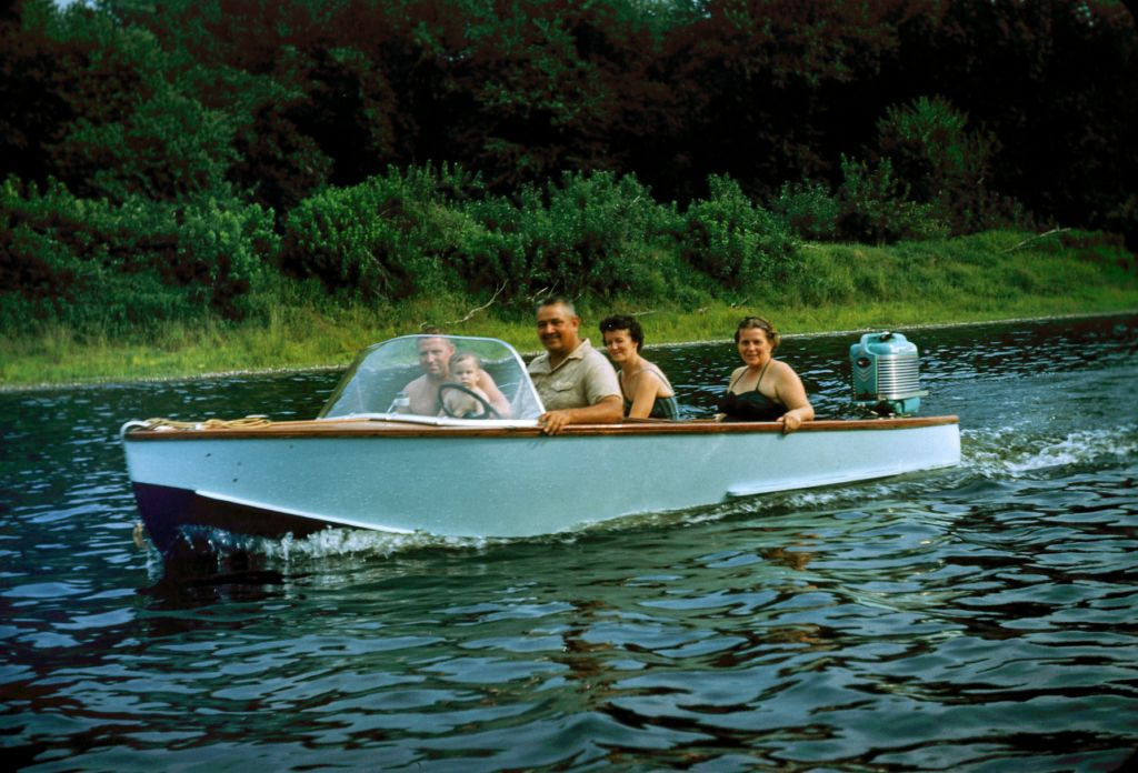 1959_camping_and_boating_on_delaware_river0430_sm-jpg