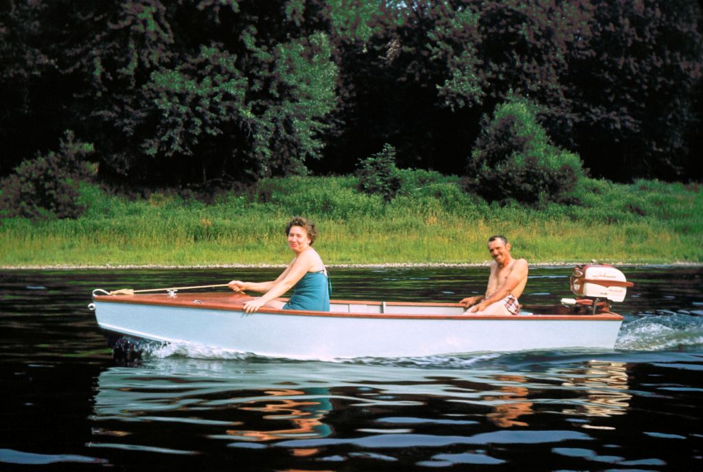 1959_camping_and_boating_on_delaware_river_stanulis0429_sm-jpg